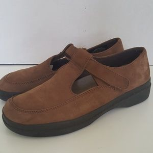 Easy Spirit Women's Taupe Suede Loafers Sz: 8